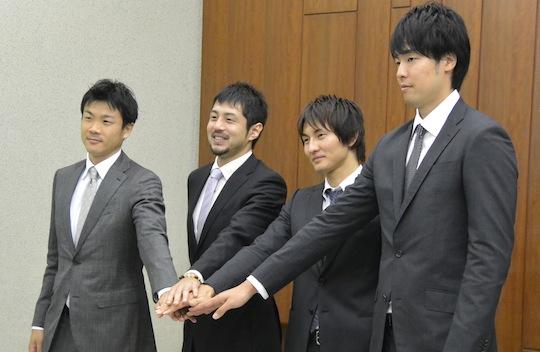 左から竹田謙選手、朝山正悟選手、岡田優介選手、竹内譲次選手